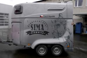 sima-brand-prepravniku-koni