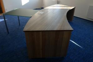 Luxusní jasanový stůl - design Ing. Eva Hozáková