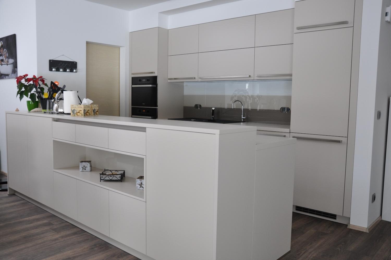 realizace sklen n ho obkladu pro olomouc kuchyn next 125 greytech. Black Bedroom Furniture Sets. Home Design Ideas