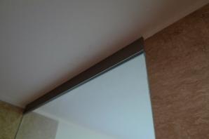 bezpečnostní kalené sklo s grafikou Greytech.cz v luxusním sprchovém koutu