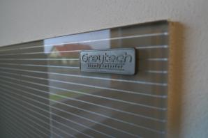 skleněné obklady s proužky - originální kreativní techniky Greytech