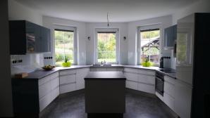 skleněný obklad do kuchyně